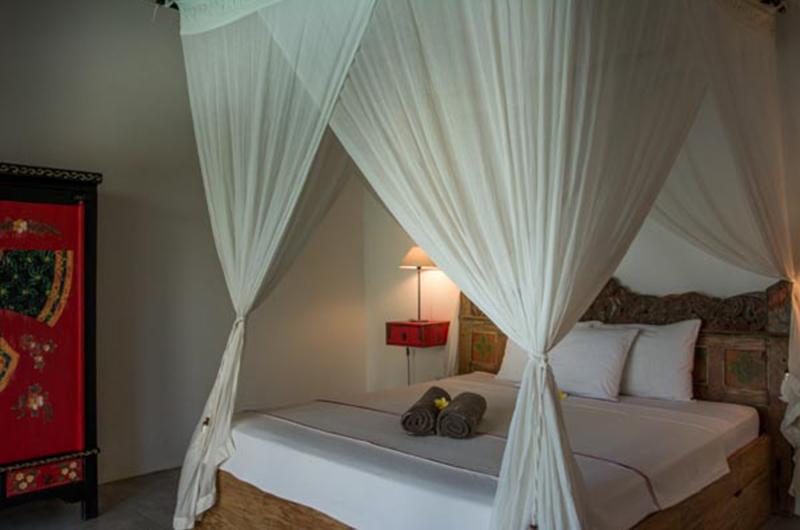 Bedroom with Mosquito Net - Villa Niri - Seminyak, Bali