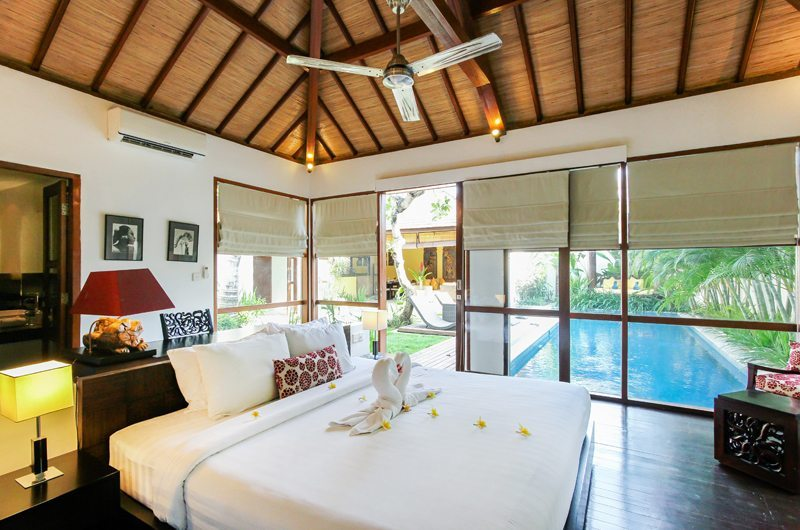 Bedroom with Wooden Floor - Villa Sepuluh - Legian, Bali