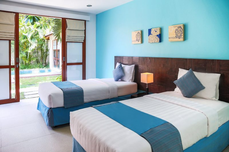 Twin Bedroom with Pool View - Villa Sepuluh - Legian, Bali