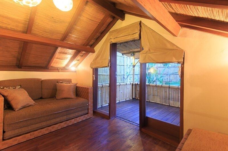 Lounge Area and Balcony - Villa Seriska Dua Seminyak - Seminyak, Bali