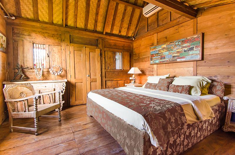 Bedroom with Wooden Floor - Villa Sukacita - Seminyak, Bali
