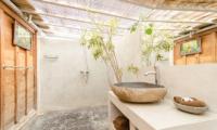 Semi Open Bathroom - Villa Sukacita - Seminyak, Bali