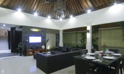 Indoor Living and Dining Area - Gili Pearl Villa - Gili Trawangan, Lombok