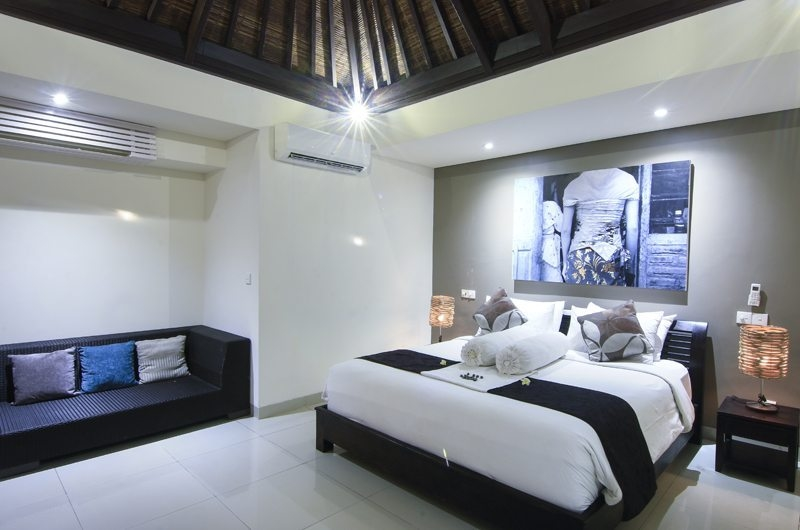 Bedroom with Sofa - Gili Pearl Villa - Gili Trawangan, Lombok