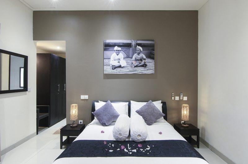 Bedroom with Table Lamps - Gili Pearl Villa - Gili Trawangan, Lombok