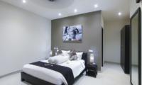 Bedroom with Mirror - Gili Pearl Villa - Gili Trawangan, Lombok