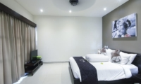 Bedroom with TV - Gili Pearl Villa - Gili Trawangan, Lombok