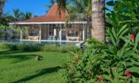 Gardens and Pool - Joglo House Lombok - Tanjung, Lombok