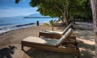 Sun Loungers near Beach - Joglo House Lombok - Tanjung, Lombok