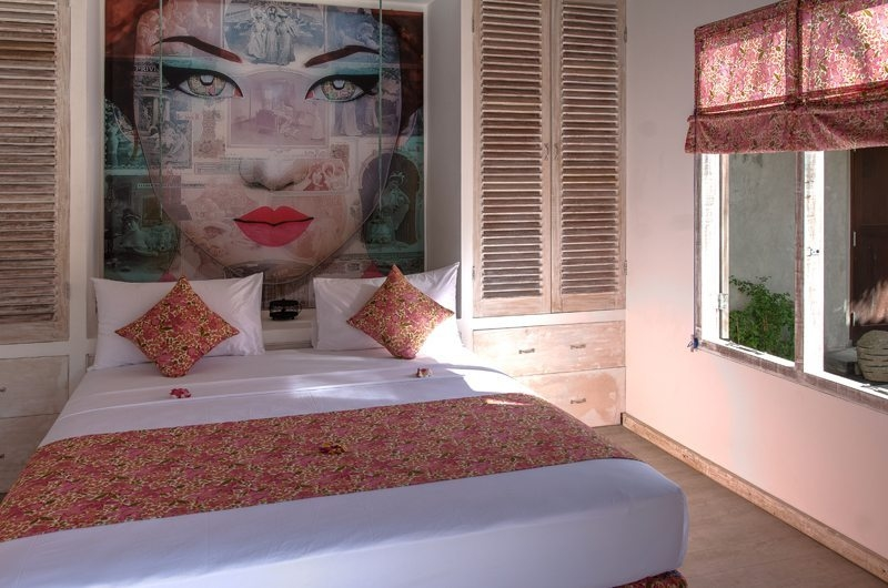 Bedroom with Painting - Joglo House Lombok - Tanjung, Lombok