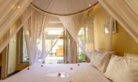 King Size Bed - Les Villas Ottalia Gili Meno - Gili Meno, Lombok