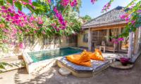 Pool Side Bean Bags - Les Villas Ottalia Gili Meno - Gili Meno, Lombok