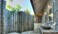 Open Plan Bathroom - Les Villas Ottalia Gili Trawangan - Gili Trawangan, Lombok