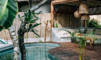 Pool Side Lounge Area - Majo Private Villas - Gili Trawangan, Lombok