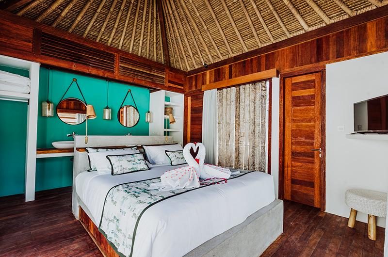 Bedroom with TV - Majo Private Villas - Gili Trawangan, Lombok