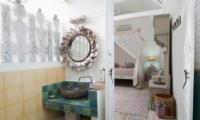 Bathroom with Mirror - Palmeto Village - Gili Trawangan, Lombok