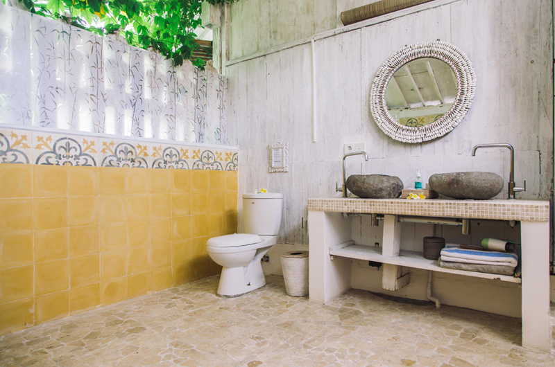 His and Hers Bathroom - Palmeto Village - Gili Trawangan, Lombok