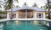 Outdoor Area with Pool - Sunset Palms Resort - Gili Trawangan, Lombok