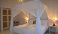 Bedroom - Sunset Palms Resort - Gili Trawangan, Lombok