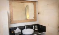 Bathroom with Mirror - Sunset Palms Resort - Gili Trawangan, Lombok