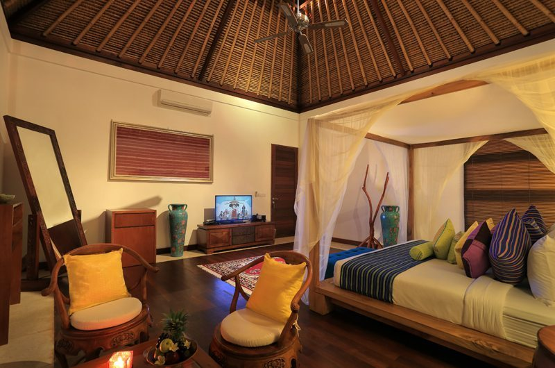 Four Poster Bed with Mirror - The Jiwa - Lombok, Indonesia