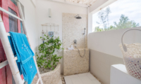 Bathroom with Shower - Villa Gili Bali Beach - Gili Trawangan, Lombok