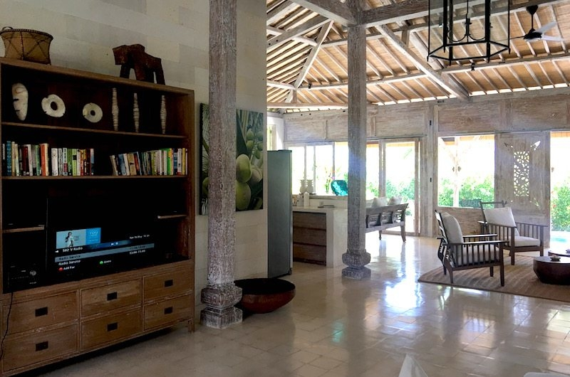 TV Area - Santai Beach House - Canggu, Bali