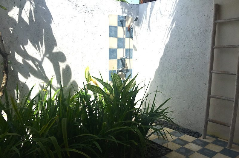 Semi Open Bathroom with Shower - Santai Beach House - Canggu, Bali