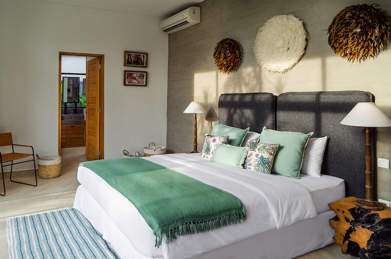 Spacious Bedroom with Lamps - Canggu Beachside Villas - Canggu, Bali