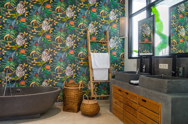 His and Hers Bathroom with Bathtub - Villa Boa - Canggu, Bali